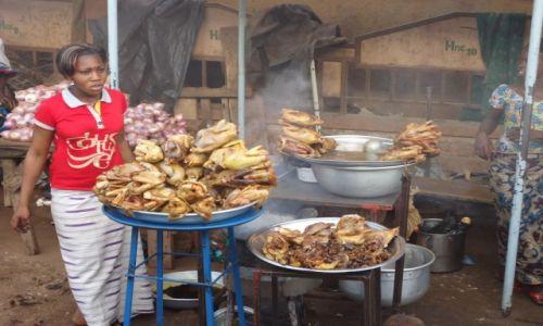 Zdjęcie BURKINA FASO / Boucle du Mouhoun / Boromo / Kurczaki pieczone ....