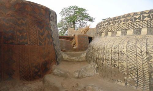 Zdjecie BURKINA FASO / Nahouri / Tiebele / Kolorowe domy (3)