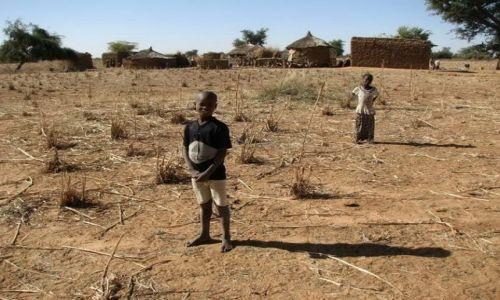 BURKINA FASO / - / okolice GOROM GOROM / gdzieś na wsi