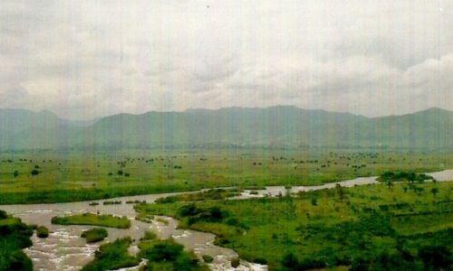 Zdjecie BURUNDI / Płn. zach. Burundi / Granica Rwandy z Burundi / Rzeka