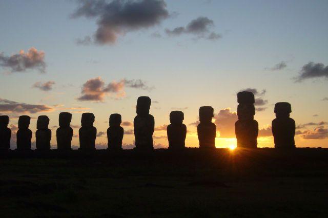 Zdjęcia: Ahu Tongariki, Wyspa Wielkanocna, Wschód słońca nad Ahu Tongariki, CHILE