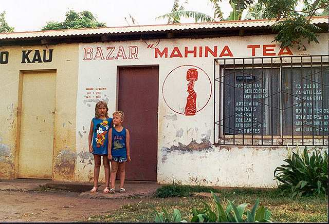 Zdjęcia: Hanga Roa, Rapa Nui, sklepy w miasteczku, CHILE