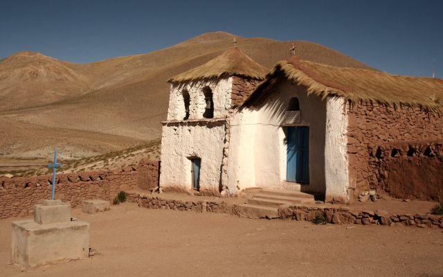 Zdjęcia: El Tatio Geysers, kosciol, CHILE