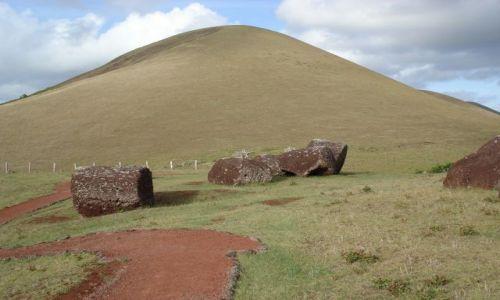 CHILE / Wyspa Wielkanocna / Park Narodowy Rapa Nui / Puna Pau