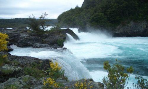 Zdjecie CHILE / Park Narodowy Perez Rosales / Wodospady Petrohue / Szumi woda, szumi.