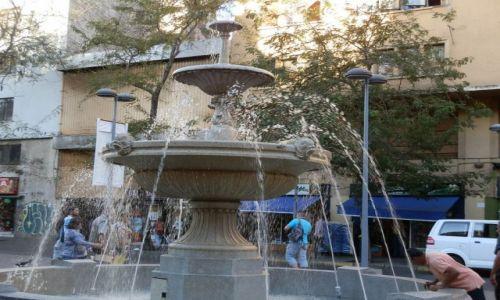Zdjęcie CHILE / Santiago / Stolica / Komu wody dla ochłody