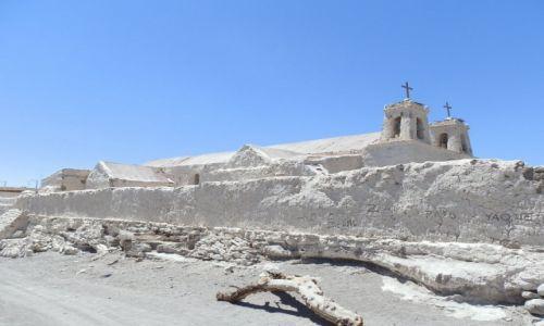 Zdjecie CHILE / Andy / Atacama / Kościół w pustynnej wiosce