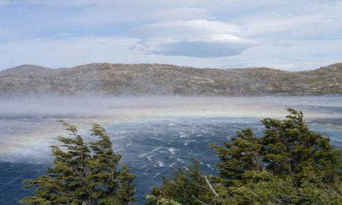 Zdjecie CHILE / Chile / Torres del Paine / Biały szkwał z tęczą