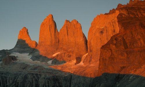 Zdjecie CHILE / Patagonia / Torres del Paine / Wieże Torres o wschodzie słońca