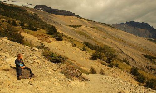 Zdjęcie CHILE / Patagonia / Torres del Paine / Najmłodszy na szlaku?