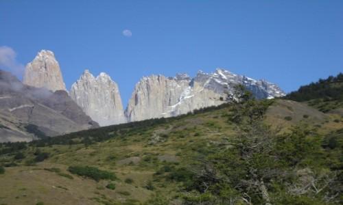 Zdjecie CHILE / park Torres dl Paine  / widok z Torre Central na wieże Torres del Paine / wieże Torres del Paine