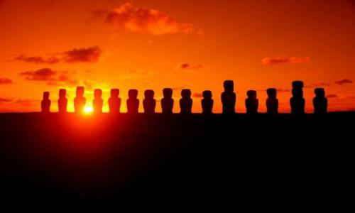 Zdjecie CHILE / Rapa Nui / Ahu Tongariki / Wschód słońca nad Ahu Tongariki, Rapa Nui