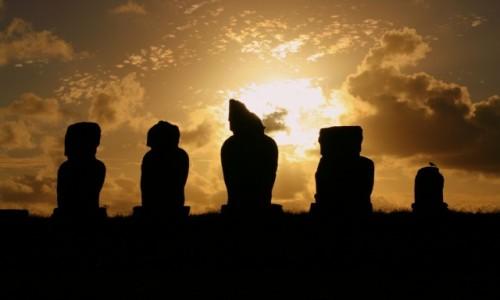 Zdjęcie CHILE / Rapa Nui / Ahu Tahai / Ahu Tahai po zmroku