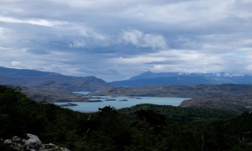 CHILE / Patagonia / Torres del Paine / Na szlaku z Mirador Britanico