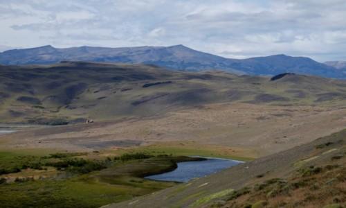Zdjecie CHILE / Patagonia / Torres del Paine / Widok ze szlaku w kierunku campament Los Cuernos