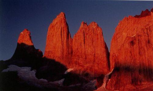 Zdjęcie CHILE / brak / torres del paine / wschod na wieze Paine