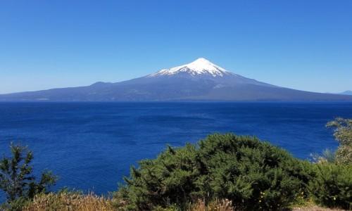 CHILE / Na granicy prowincji  Los Lagos i Llanquihue / Jezioro Llanquihue i wulkan Osorno / Stratowulkan
