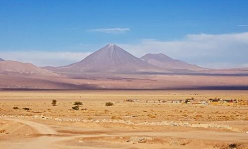 Zdjecie CHILE / Atacama / widok z San Pedro de Atacama / Wulkan Licancabur