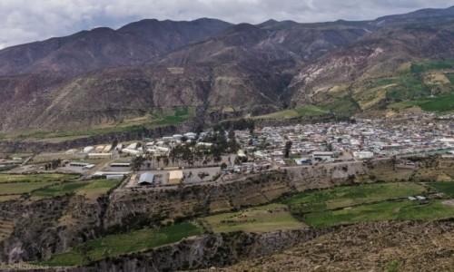 Zdjecie CHILE / Arica y Parinacota / Putre / Putre - baza do zwiedzania parku Lauka i rezerwatu wikuni