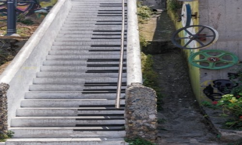 Zdjecie CHILE / Valparaiso / Valparaiso / Fortepian?
