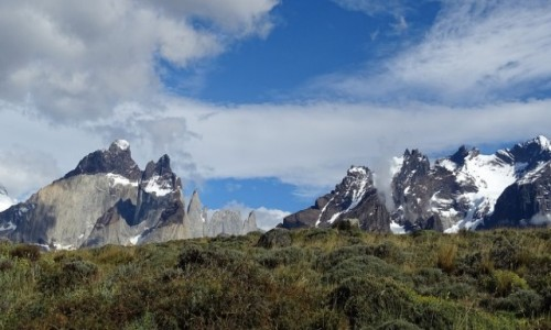 CHILE / Patagonia- region Magallanes / Park Narodowy Torres del Paine / Surowe piękno