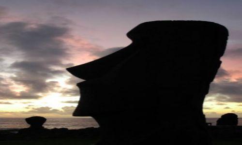 Zdjecie CHILE / Wyspa Wielkanocna / Hanga Roa / Moai