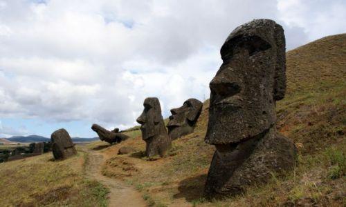 Zdjęcie CHILE / Rapa Nui / Rano Raraku / W drodze....