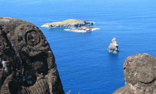 Zdjęcie CHILE / Pacyfik / Wyspa Wielkanocna / Widok z wioski Orongo na Motu Kau Kau, Iti i Nui