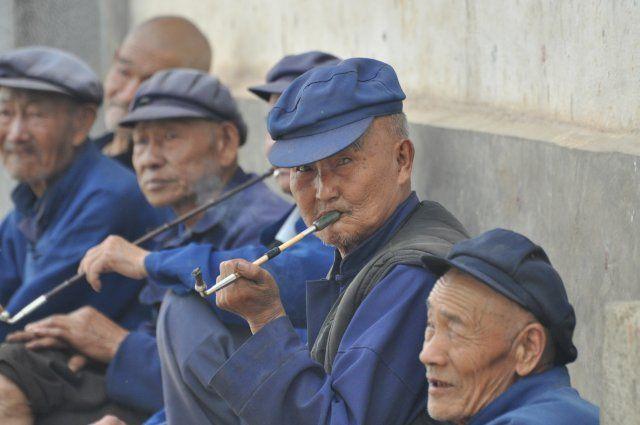 Zdjęcia: okolice Dali, Kunming, Nie ma jak na emeryturze, CHINY