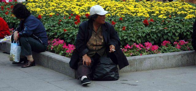 Zdj�cia: pekin, papierosek w cieniu, CHINY