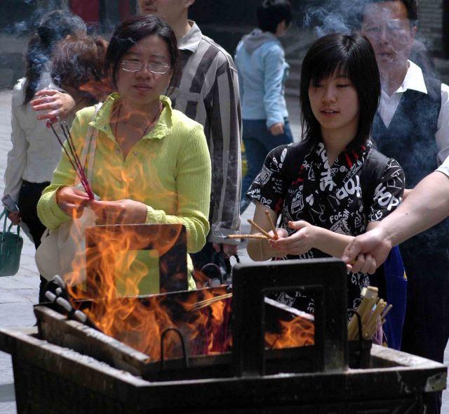 Zdjęcia: pekin, w świątyni Lamaizmu, CHINY