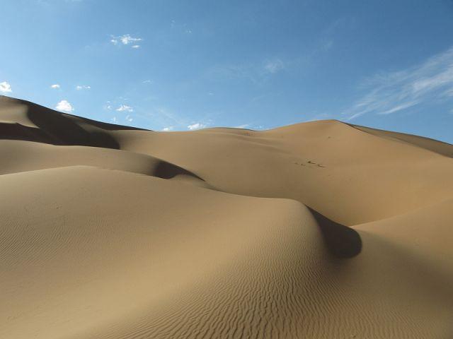 Zdjęcia: pustynia, Badain Jaran, Wydmy, CHINY