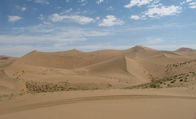 Zdjęcia: Pustynia, Badain Jaran, a jadnak prowadzi tu szlak, CHINY