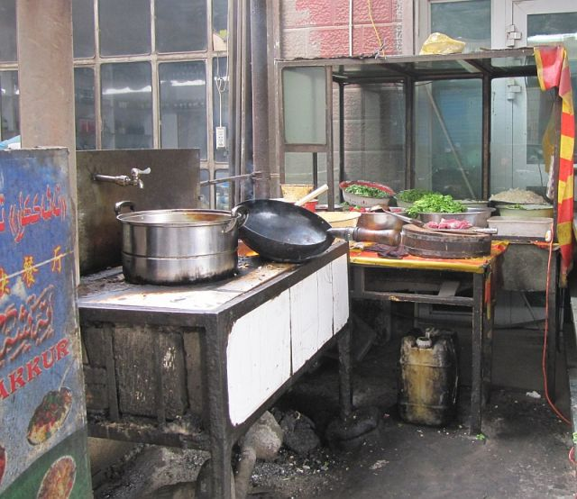 Zdjęcia: ulica, Hotan, typowa kuchnia uliczna, CHINY