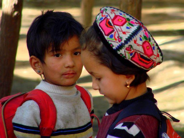 Zdjęcia: Kaszgar, Kaszgar, Masz  takie  usta  czerwone  , CHINY