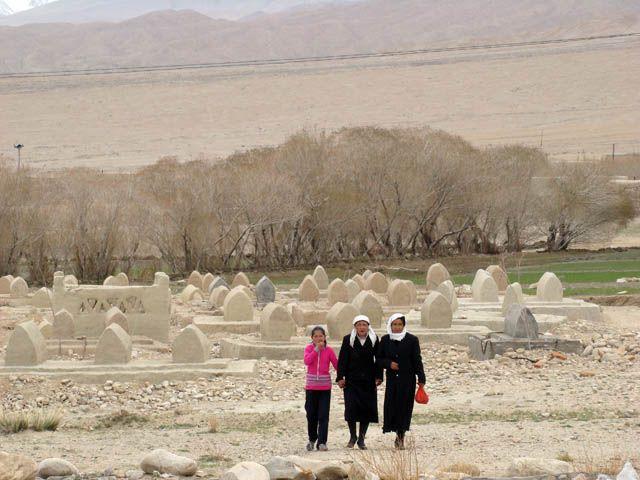 Zdjęcia: Pamir Highway, Tashkurgan Tajik Autonomous County, Cmentarz, CHINY