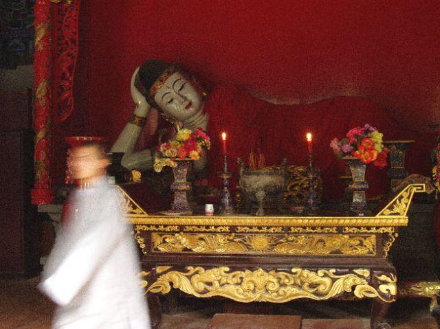 Zdjęcia: klasztor Shaolin, leżący Budda, CHINY