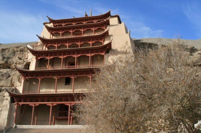 Zdj�cia: gdzie� przy granicy Gansu z Xinjiang, Jaskinie Mogao, CHINY