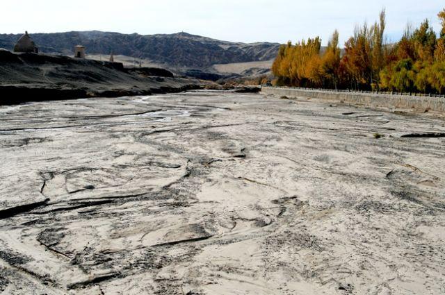 Zdjęcia: gdzieś przy granicy Gansu z Xinjiang, Jaskinie Mogao-okolice, CHINY