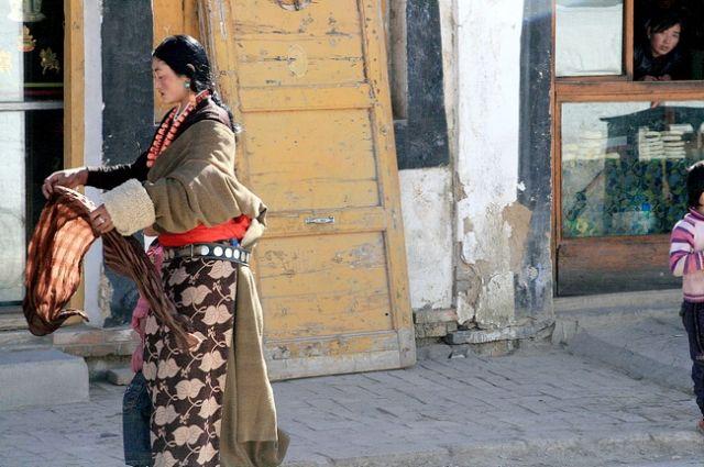 Zdjęcia: Prowincja Gansu, Tybetańska mieszkanka Xiahe, CHINY