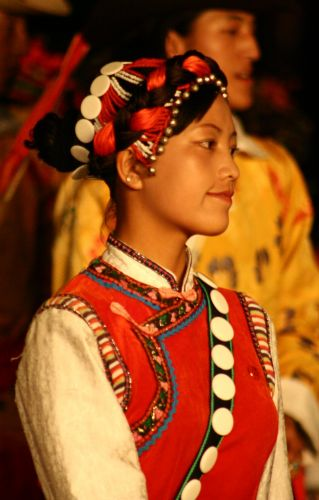 Zdjęcia: kuming, mongolska tancerka..., CHINY