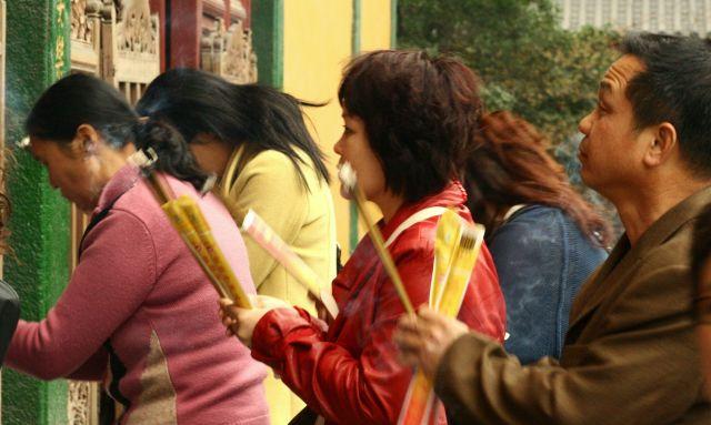 Zdjęcia: hangzhou, podczas modlitwy, CHINY