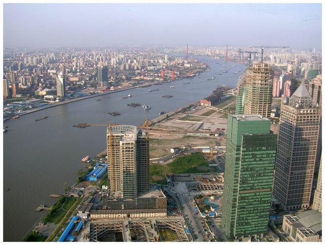Zdjęcia: Wieża Perła Orientu(widok z...), Shanghai, Miasto w budowie, CHINY