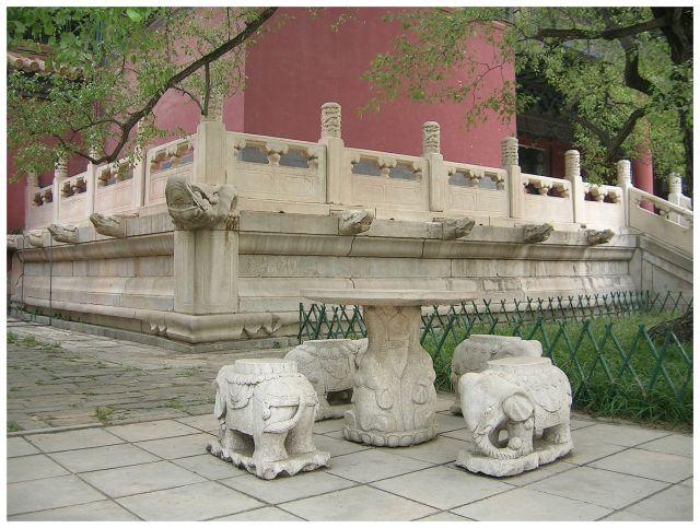 Zdjęcia: Okol.Pekinu, Grobowce Mingów, ChinyPółnocne, Fragment pawilonu w Changling, CHINY