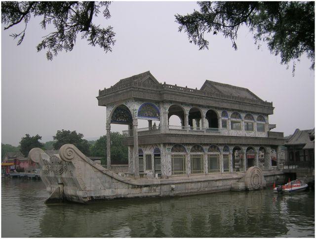 Zdj�cia: Pekin - Pa�ac Letni, ChinyP�nocne, Marmurowa ��d� cesarzowej Cixi, CHINY