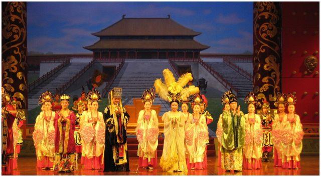 """Zdjęcia: Xian - przedstawienie, Chiny północne, """"Dwór Cesarski"""", CHINY"""