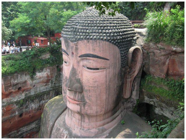Zdj�cia: Leshan, Chiny �rodkowe, Siedz�cy Budda z Leshan, CHINY