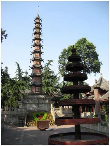 Zdjęcia: Chengdu - świątynia Wenshu, Prow.Sichuan, Wysoko do nieba..., CHINY
