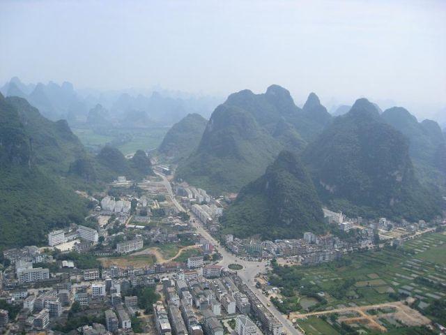 Zdjęcia: Yangshuo, Yangshuo ze wzgórza, CHINY