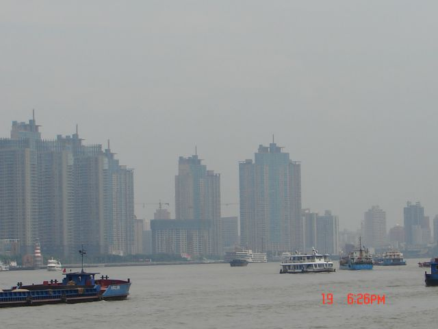 Zdjęcia: Pudong, Szanghaj , Na rzece, CHINY